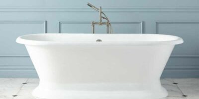 repair a scratch on a bathtub easily