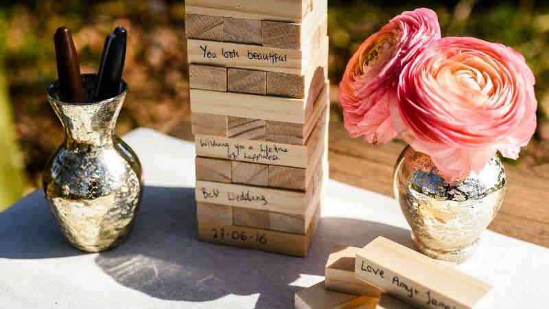 unusual wedding souvenir ideas