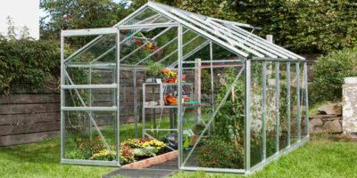 build a garden greenhouse easily