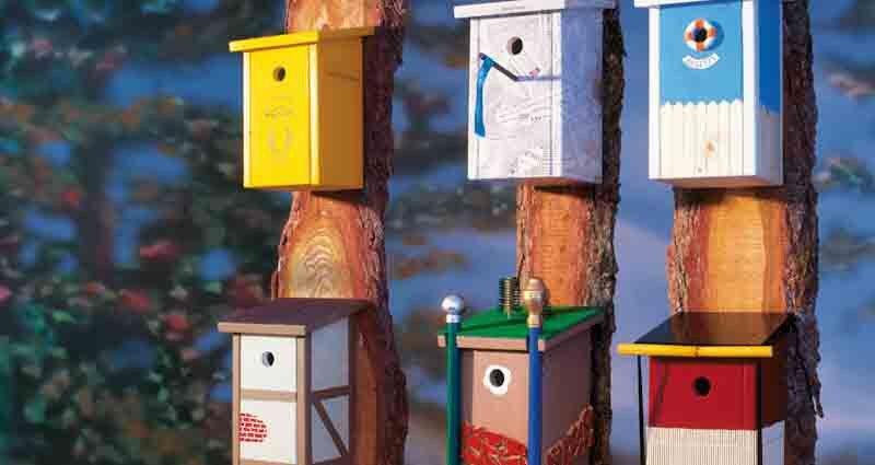 DIY White Wooden Nesting Box Wooden Garden Bird Box Predator Proof Bird Nesting Box for Small Birds Garden Ornaments Brown Wooden Bird House