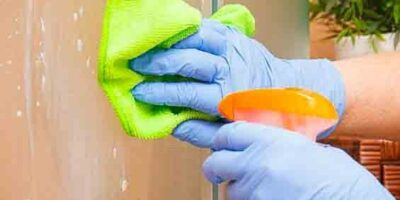 clean a shower cubicle easily