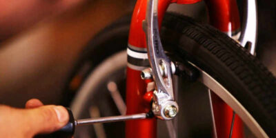 adjust bicycle brakes and pads