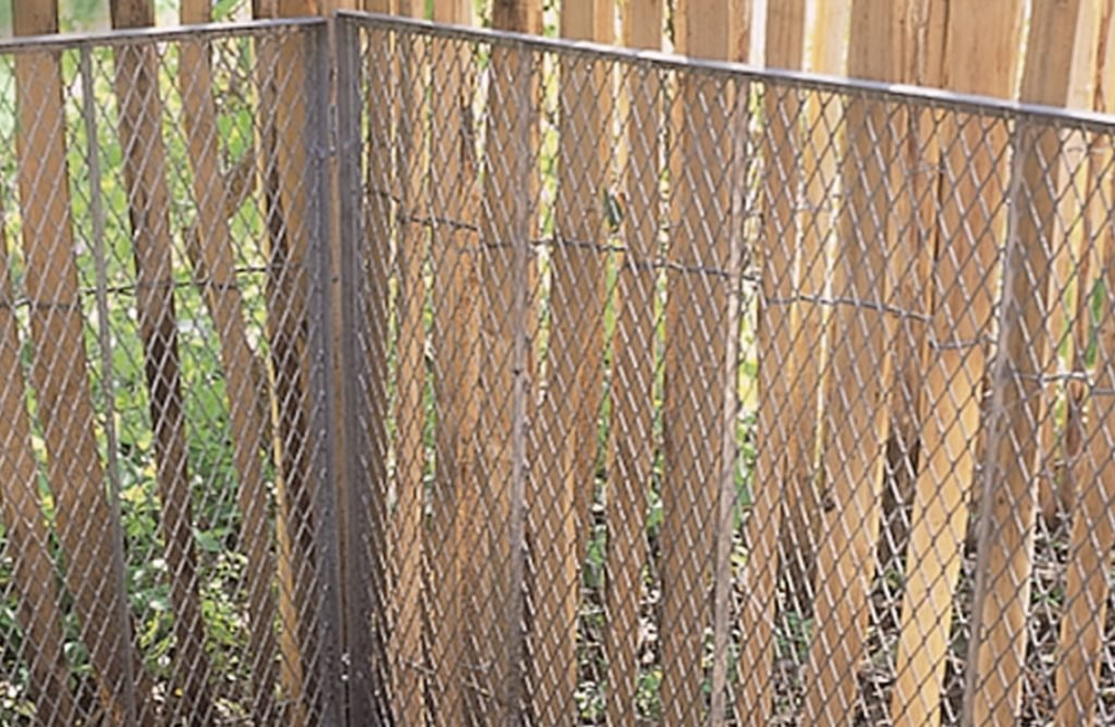 How To Build A Rustic Stake Garden Fence How To Do Everything