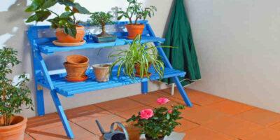 build a folding potplant stand