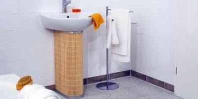 cover a basin drain pipe