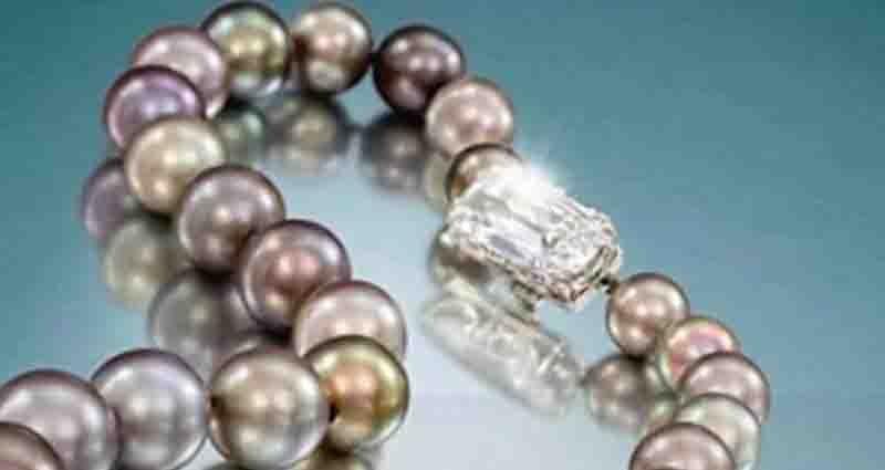 Fake vs genuine pearls