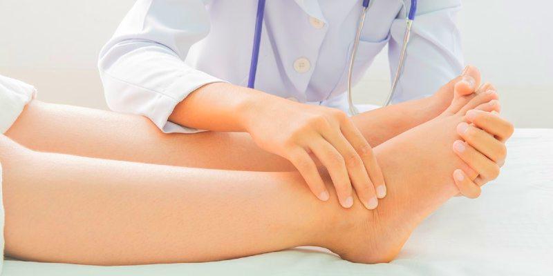 relieve swollen legs in pregnancy