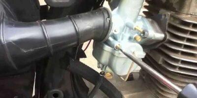 adjust a motorcycle carburetor correctly