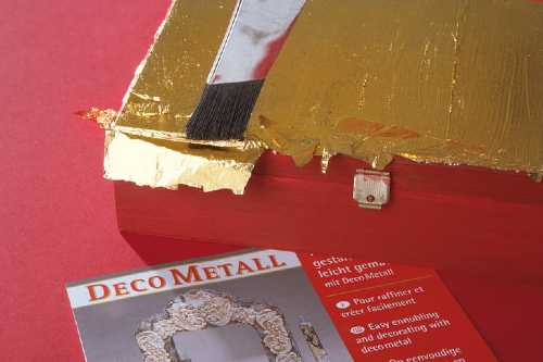 apply metallic finishes for craft easily