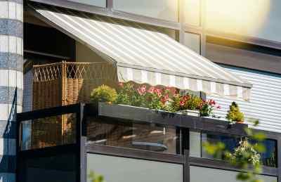 insulate windows against sun and heat