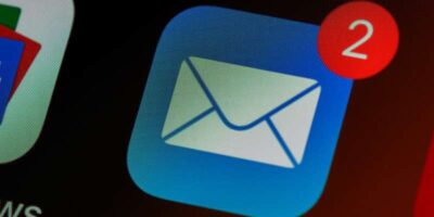 How to block emails on iphone or ipad