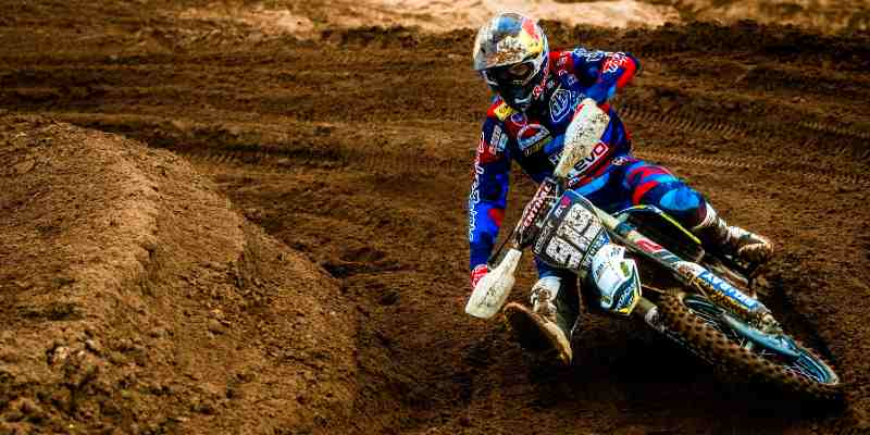 how to choose motocross apparel
